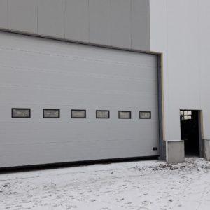 Brama przemysłowa segmentowa